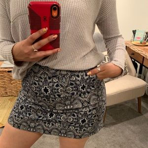 Patterned skirt size 5